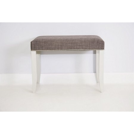 Stuart Jones - Nicole Stool