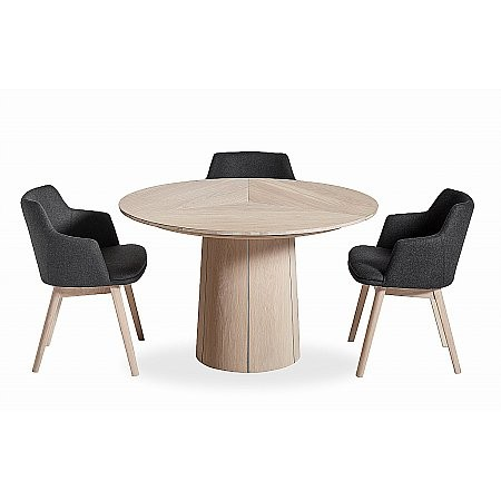 Skovby - SM33 Round Table  plus SM65 Chairs
